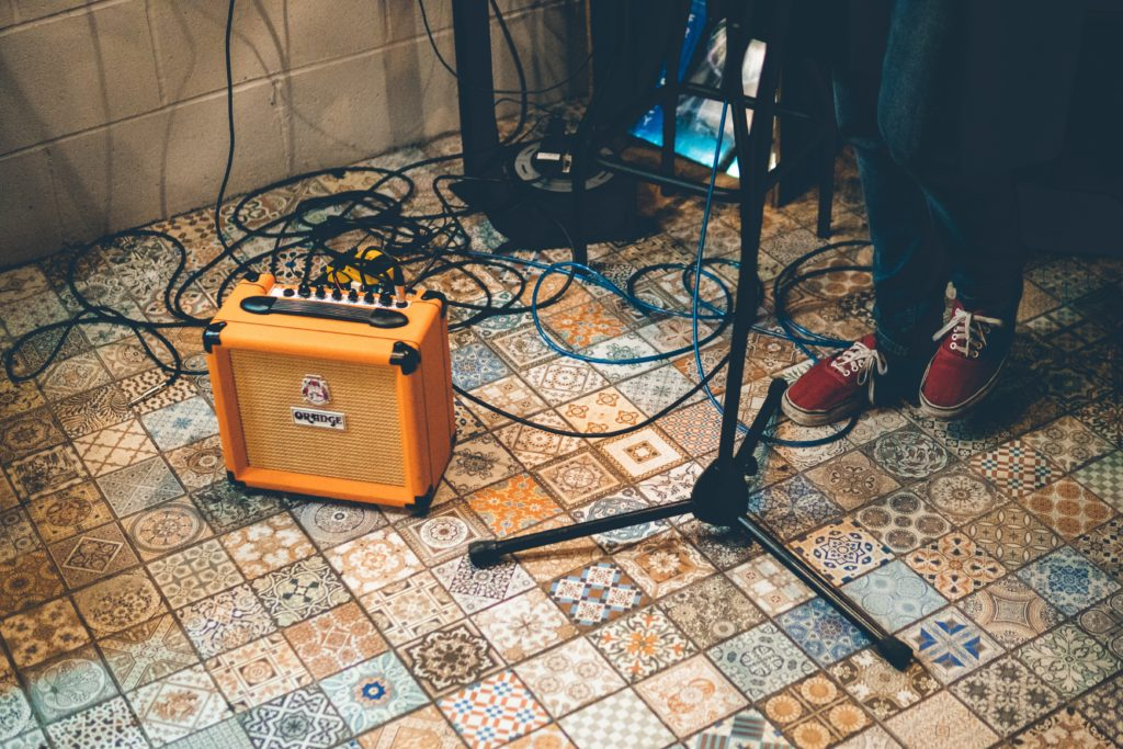 Guitar amps on standby
